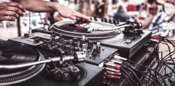 Madhatter Tony & DJ Miracle
